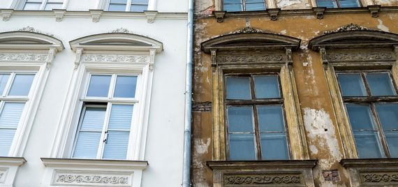 Old in need of repair sash windows